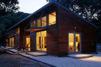 Porcellana Il vento prefabbricato resiste alle case di legno d'acciaio leggere, una nuova progettazione della villa leggera dell'acciaio del calibro di due piani fornitore